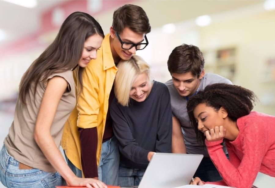 邦孵化|半年千万级业务,7万高校自媒体,3000万用户,覆盖70%高校,掌上大学成为首个校园营销服务SaaS平台