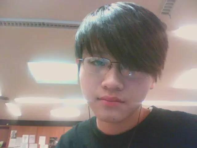 从一个中国自闭学生 ,到美国精英公众人物,18岁经济独立,19岁买下第一辆跑车,听他讲讲人脉创富的秘密!