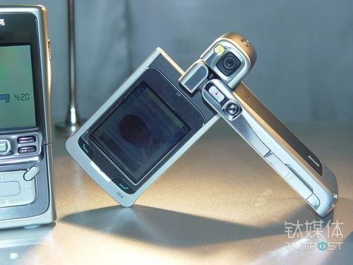 从11万像素到4000万三摄,我们回顾了手机拍照技术的18年成长之路